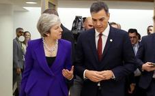 Pedro Sánchez y May mantienen una «larga conversación» telefónica tras la advertencia de España sobre el acuerdo del Brexit