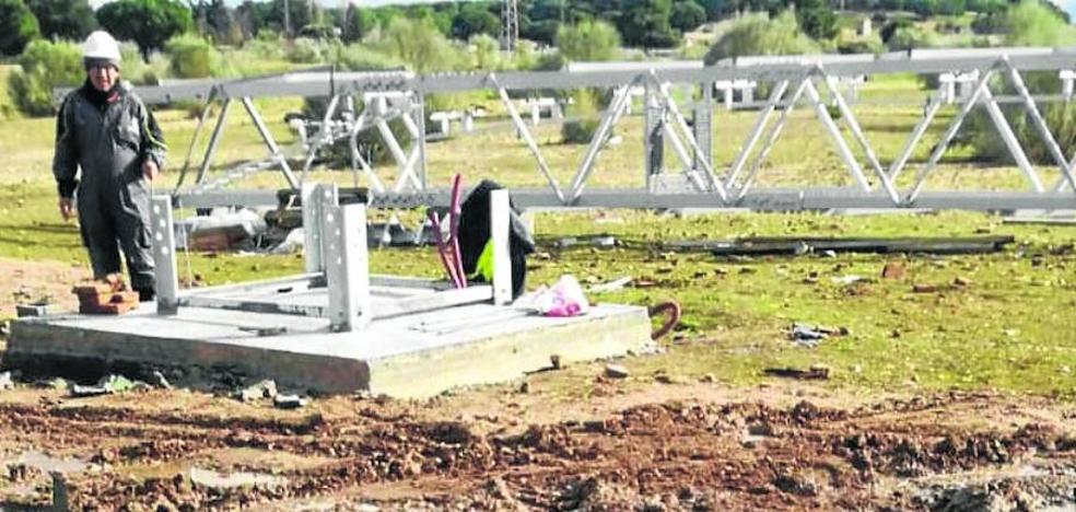 Boecillo paraliza de nuevo la obra de instalación de la antena de telefonía