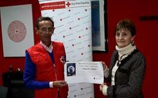 Cruz Roja recibe la recaudación de «Locos por el teatro»