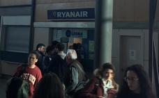 Un vuelo entre Valladolid y Sevilla parte de Villanubla con cuatro horas de retraso