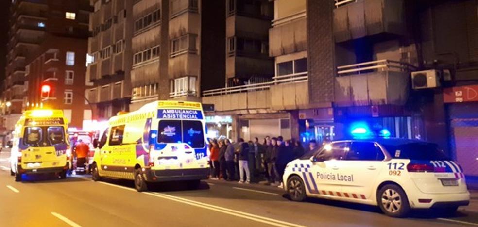 Fallece un conductor en pleno centro de León tras sufrir un infarto mientras circulaba