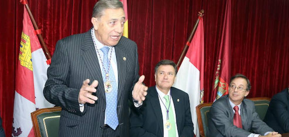 Santiago Bayo, ya fuera del PP, se aferra a la Alcaldía de Maderuelo y anuncia que intentará revalidarla