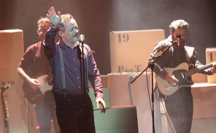 Concierto de Love of Lesvian en el Teatro Carrión de Valladolid