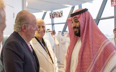 El Gobierno tilda de «casual» la foto de don Juan Carlos con el príncipe saudí