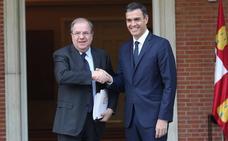 Arranca puntual la primera reunión entre Juan Vicente Herrera y Pedro Sánchez en La Moncloa