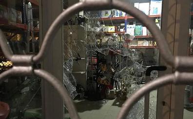 Un ladrón desvalija dos tiendas y lo intenta en una tercera en un barrio de Valladolid