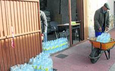 Lastras vuelve a depender del agua embotellada por los elevados niveles de nitratos