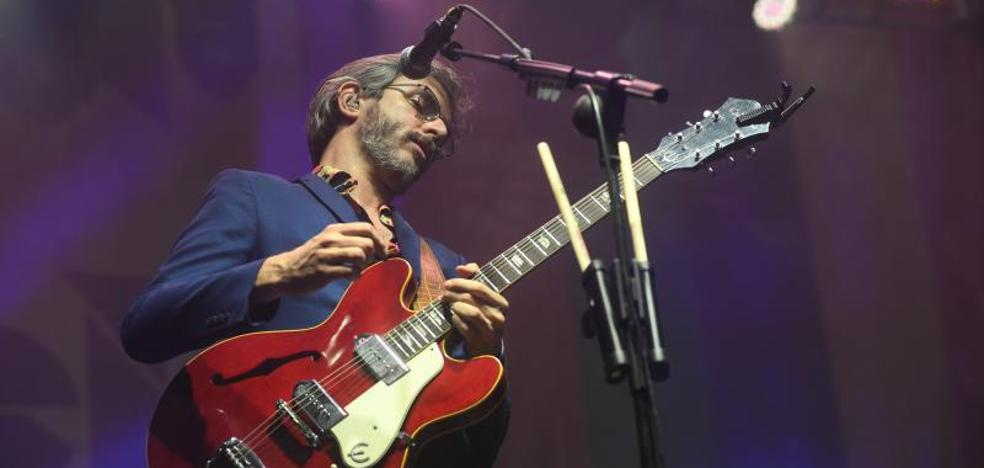 Intro Music: Xoel López, mejor acompañado que solo