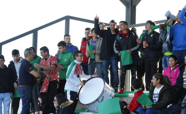 Aficionados del CD Guijuelo y el Unionistas, en el Municipal chacinero