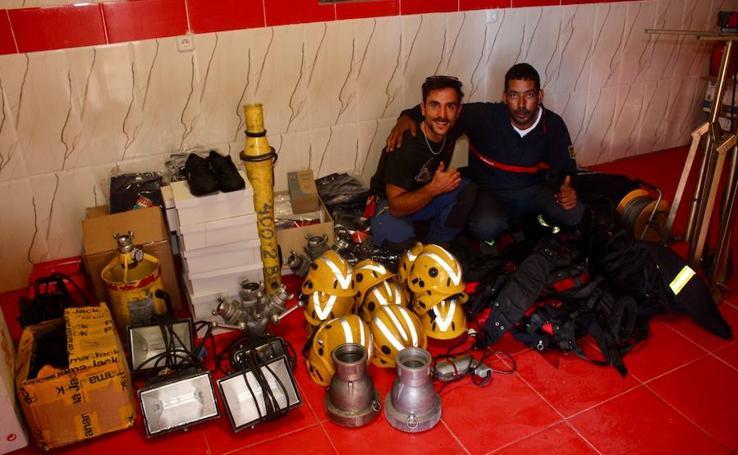 El bombero vallisoletano que presta ayuda humanitaria a refugiados en Tinduf (Argelia)