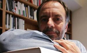 Antonio Soler: «La gente normal alberga ideas poco normales»