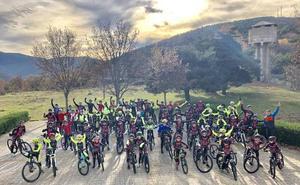 La Escuela de ciclismo Béjarana y Promesal cierran un gran fin de semana en Llano Alto