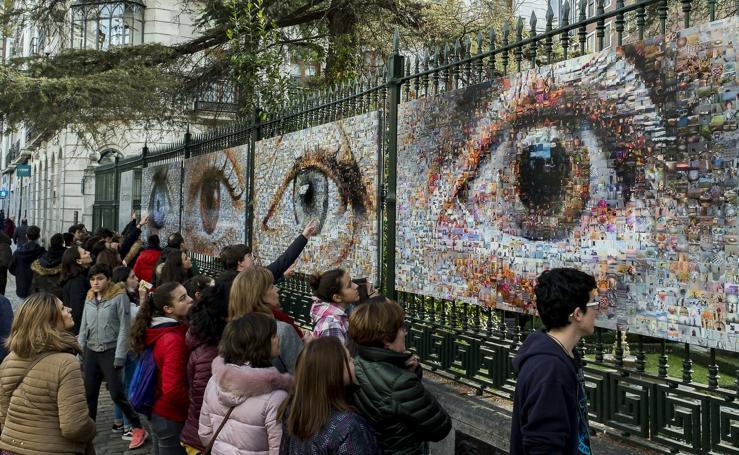 Inauguración del mural 'Fotografiar un sueño' de Joan Fontcuberta en la Casa Cevantes