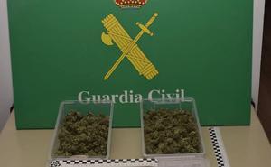 Detenido al bajarse del coche en un control en Palencia con 170 gramos de marihuana
