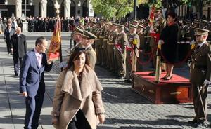 La Plaza Mayor de Segovia acoge el juramento a la bandera de 126 ciudadanos
