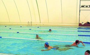 La calidad del agua permite abrir la piscina climatizada en Navidad