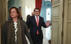 Mañueco da a elegir a Fuentes entre el PP o la izquierda radical en Salamanca