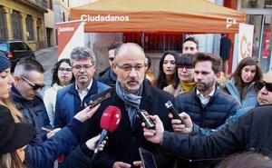 Fuentes afirma que la «fuga» de Mañueco ha dinamitado el pacto de investidura con Cs en Salamanca