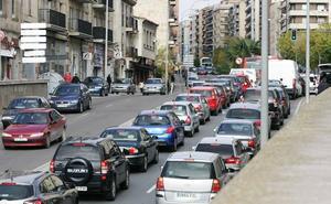 Correos vende en Salamanca cerca de 3.500 etiquetas ambientales para vehículos