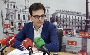 El PSOE llama «delincuente convicto» a León de la Riva