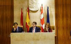PSOE, Ganemos y Cs se reunirán para hacer frente a la renuncia de Mañueco