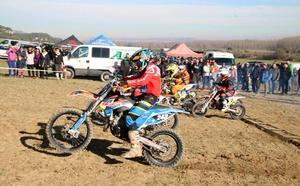 El motocros se instala en Dueñas