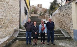 Pecharromán: tres generaciones en un pueblecito segoviano de solo cuatro vecinos