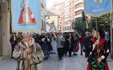 Doscientas personas procesionan a la Virgen de la Concha en Valladolid