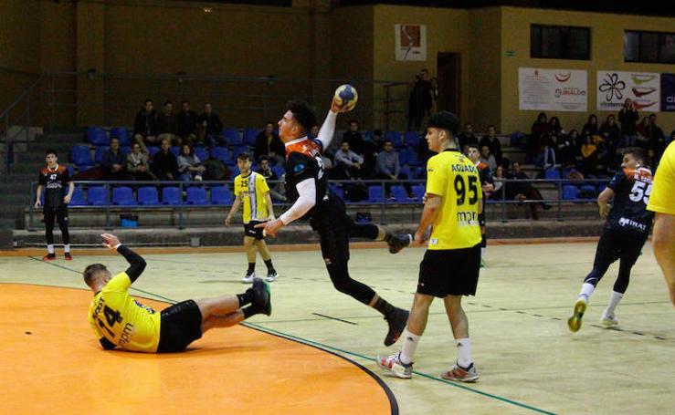 El BM Salamanca se impone en casa al BM Leganés (24-21)