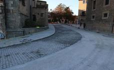 El carril de subida de la calle San Juan se reabrirá este miércoles para vehículos ligeros