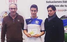 Doblete del infantil albense Carlos Sierra el mismo fin de semana ganando dos torneos