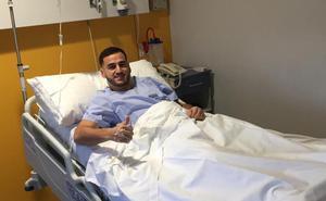 Ayub El Harrak, del Guijuelo, es operado con éxito de la rodilla derecha en Madrid