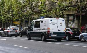 Sorprenden a tres menores asaltando un chalet vacío en Villamayor