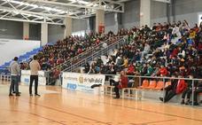 Seiscientos estudiantes aprenden a usar los valores del deporte para luchar contra el ciberacoso