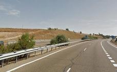 Una herida en una colisión entre un camión y un turismo en la A-62, en Valladolid