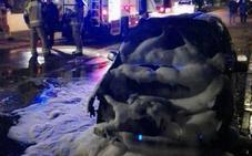 Arde un vehículo en la urbanización El Cotanillo, en Renedo de Esgueva