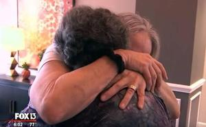 Una madre se reúne con su hija a la que creía muerta desde que nació