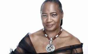 La cantante y soprano Barbara Hendricks ofrece mañana un recital de blues y gospel en el CAEM