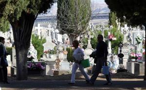 Los grupos políticos y Nevasa acuerdan congelar todas las tarifas funerarias de Valladolid para 2019