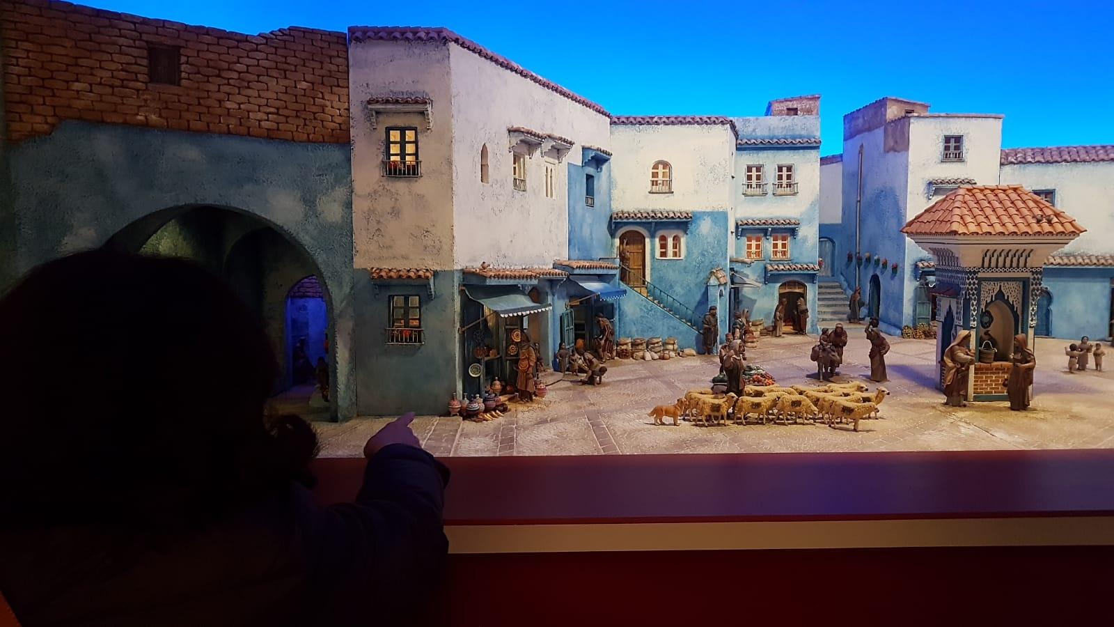 300 piezas forman el Belén Monumental de la Diputación, ambientado en los «pueblos azules» de Marruecos