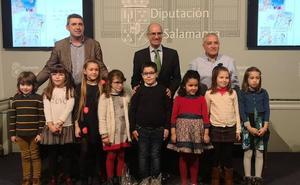 Nueve alumnos de 6 a 8 años reciben los premios del Concurso de Postales Navideñas de La Salina