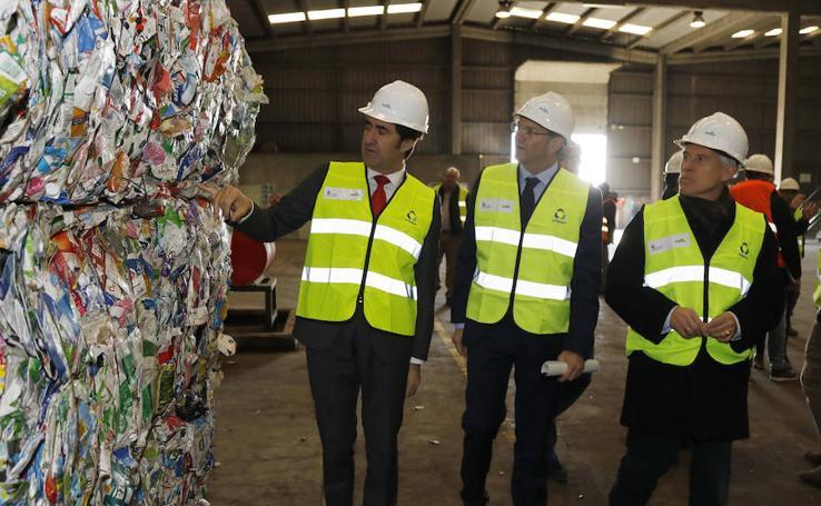 El consejero de Medio Ambiente visita el Centro de Tratamiento de Residuos