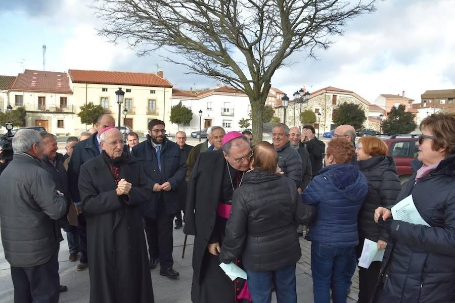 El nuevo obispo de Ávila, 'desbordado' ante el caluroso recibimiento de los abulenses