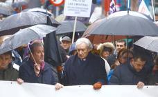 Miles de personas recorren las calles de Ponferrada para reivindicar el futuro de El Bierzo