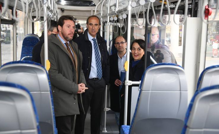 Presentación del primer autobús de autogas