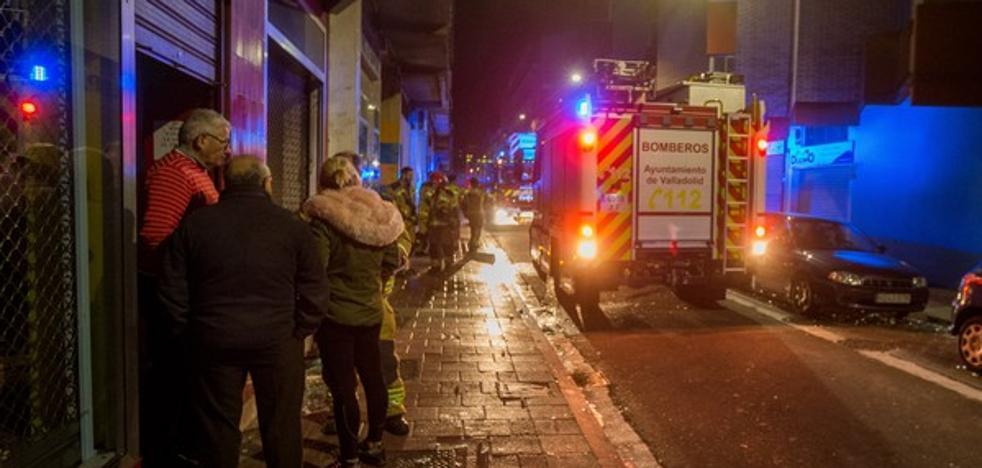 Un incendio en una tintorería de Valladolid causa daños de consideración en el local comercial