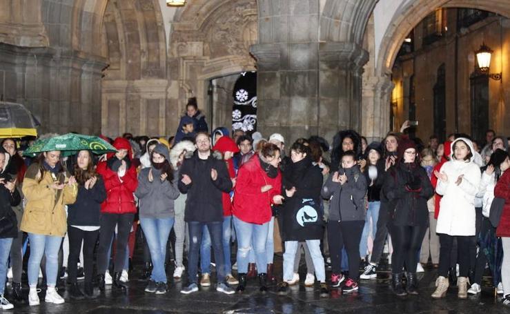 Cacerolada en Salamanca en protesta por el asesinato de Laura