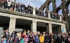 Los alumnos del colegio Claret desean una feliz Navidad a los segovianos