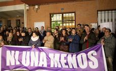 Más de 500 personas guardan silencio en Villabuena del Puente, Zamora, por la muerte de Laura Luelmo