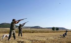 Las Cortes reconocen la importancia estratégica de la caza y la pesca